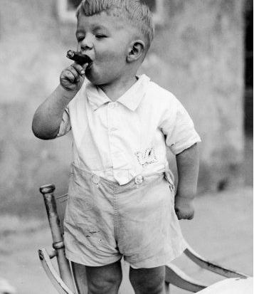crianca-fumando
